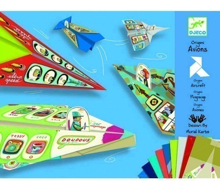 jugar con aviones de papel